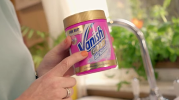 Vanish Gold Oxi Action from TV advert
